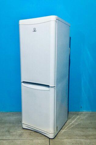 Холодильник Indesit 000562