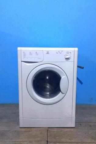 Стиральная машина Indesit 5кг   800 обмин   арт1025