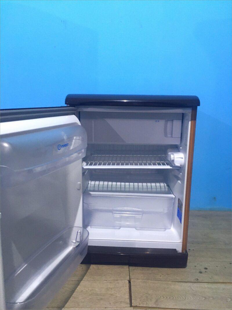 Холодильник Indesit 001105