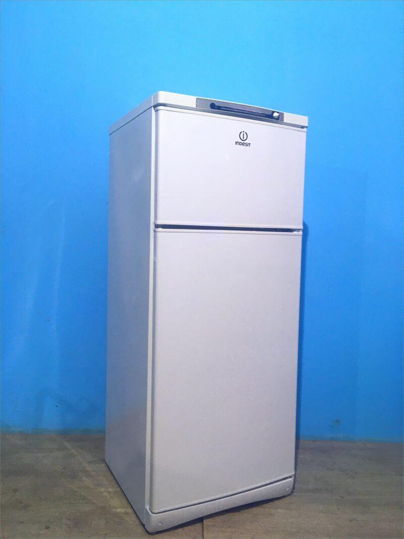Холодильник Indesit 145см арт1107