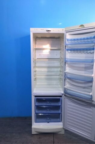 Холодильник VESTFROST капельный 184см | арт1484